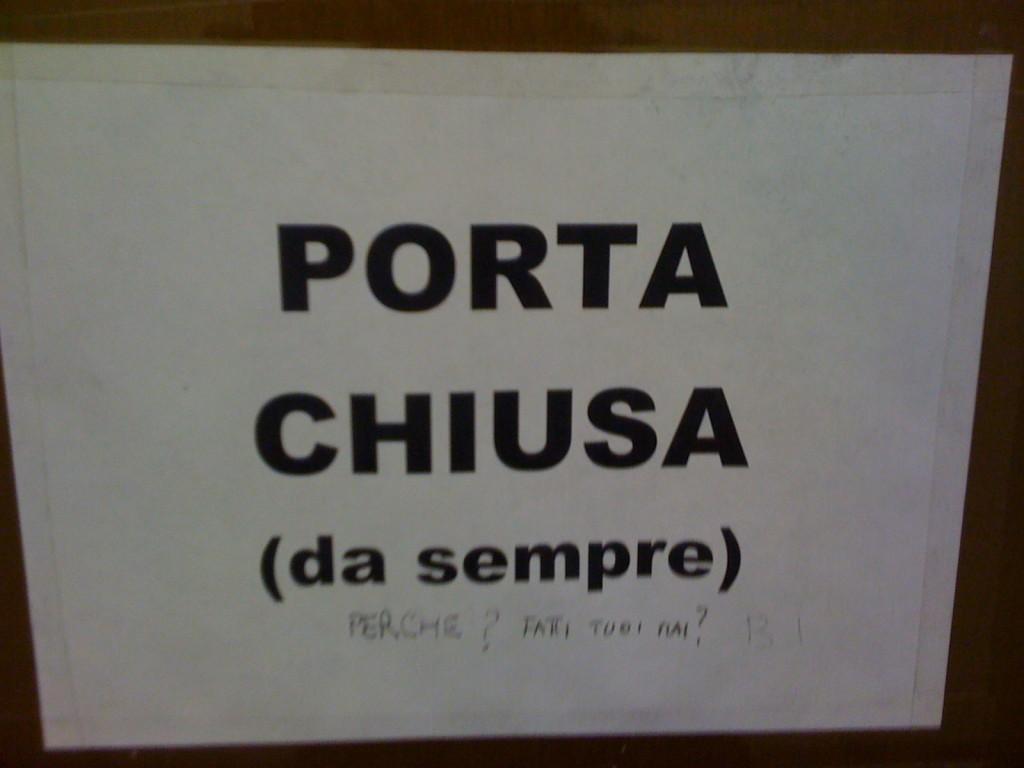 Cartelli page 2 for Porta chiusa